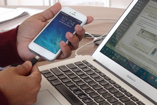 Как подключить телефон к магнитоле через USB, AUX, Bluetooth