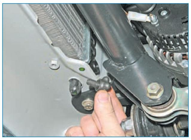 Как проверить сливную пробку радиатора?