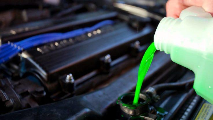 Как самостоятельно заменить охлаждающую жидкость в 3 этапа?