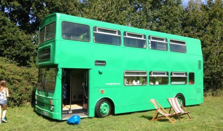 Как сделать дом на колёсах из прицепа и микроавтобуса своими руками? 4 основных этапа