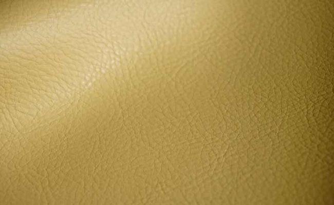 Какие авто чехлы лучше - с экокожи, кожи или алькантары?