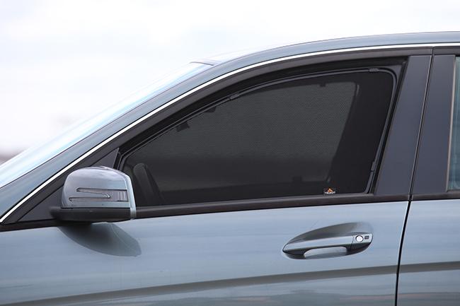 Какие шторки для окон автомобиля использовать вместо тонировки