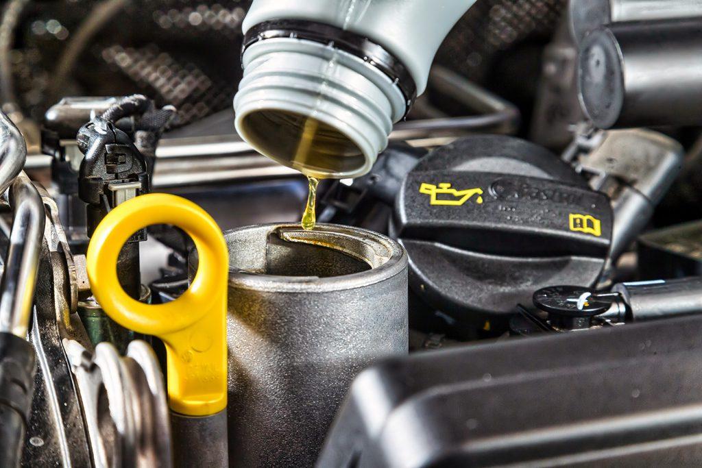 Необходимость в замене моторного масла