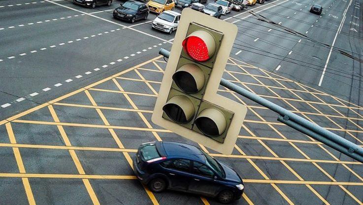 Основные виды светофоров и значение их сигналов: правила на 2018 год