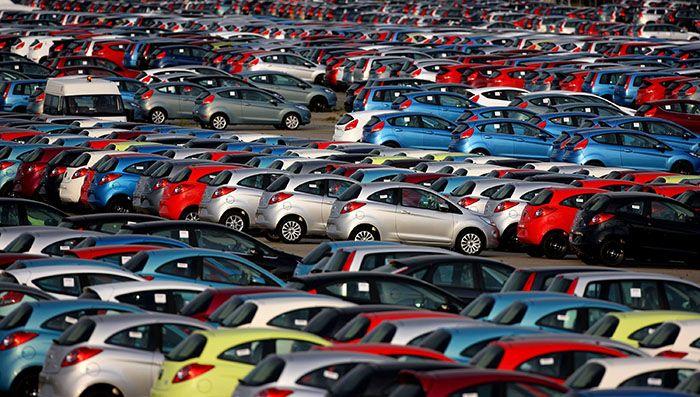 Россияне стали больше покупать новых авто