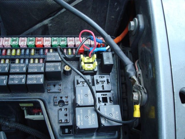 Самостоятельная установка и подключение планшета вместо магнитолы в автомобиль