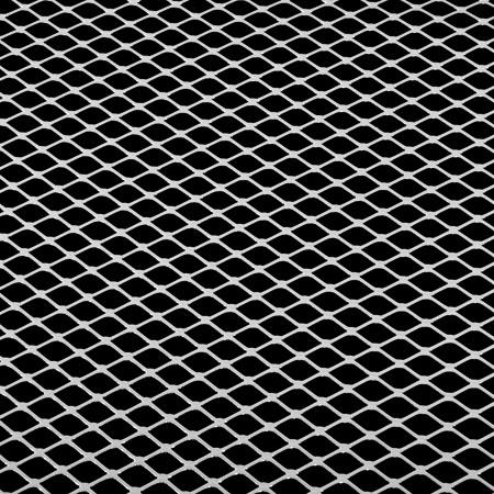 Создание и установка защитной сетки на решетку радиатора своими руками