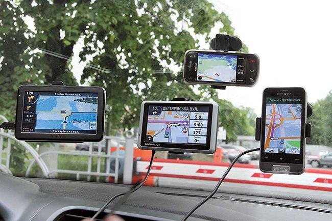 vybiraem-avtoplanshet-s-registratorom-navigatorom-i-antiradarom-25