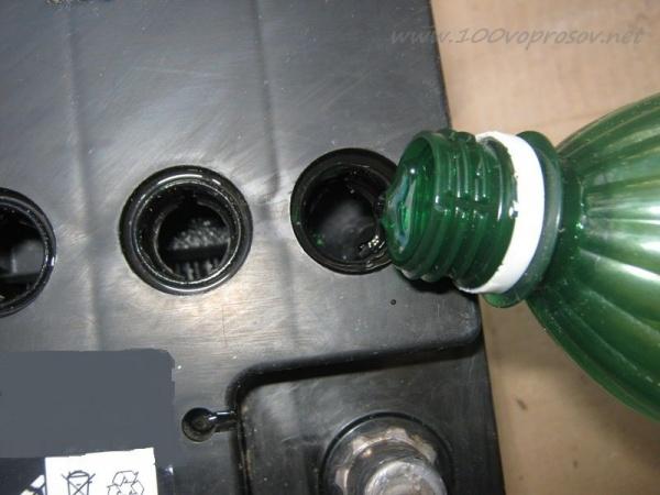 Каким должно быть напряжение АКБ машины