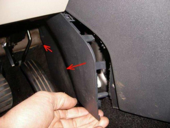 Самостоятельно меняем вентилятор печки на «Рено Меган»