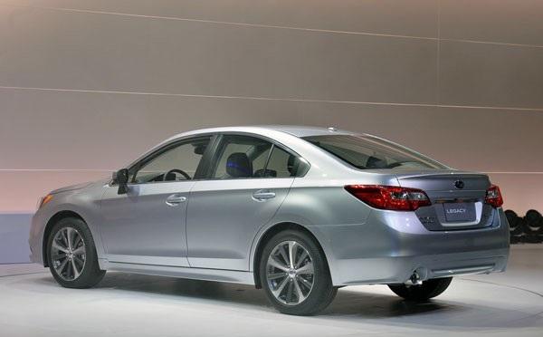 Седан Subaru Legacy 2015: обзор, фото экстерьер, интерьер
