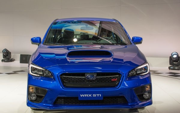 Subaru WRX STI 2015: обзор, фото экстерьер, интерьер