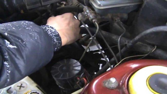 Топливный насос в ВАЗ 2110/2112: самостоятельная диагностика и замена