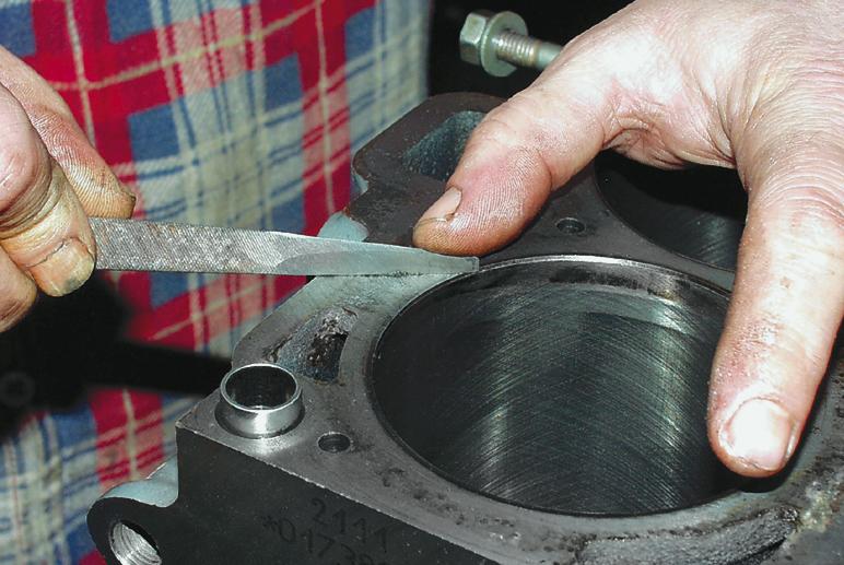 Реставрация алюминиевого блока цилиндров с использованием клеевых шпатлевок