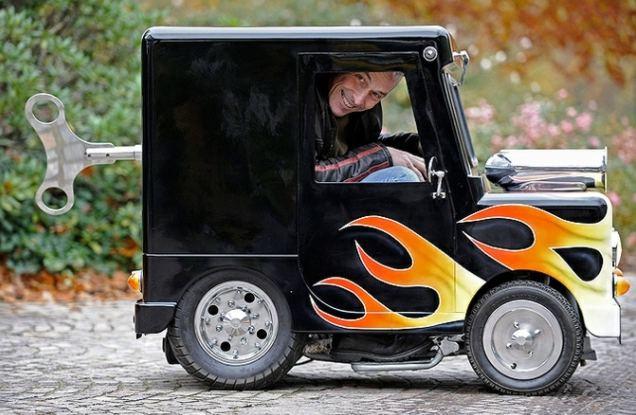 Самый миниатюрный дорожный автомобиль