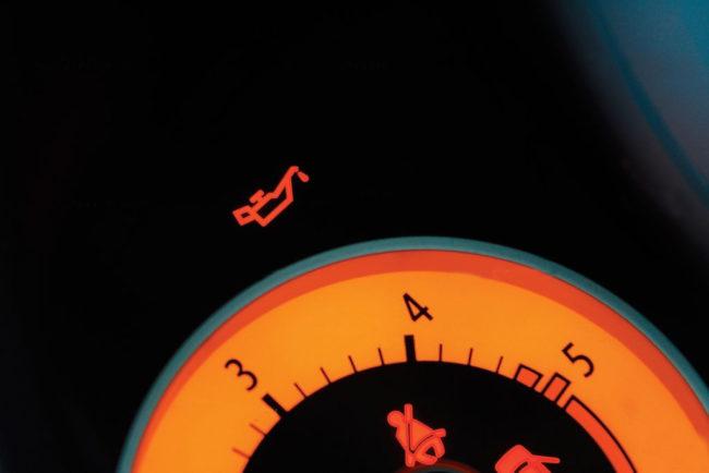 Индикатор Check Engine: причины срабатывания и способы их устранения